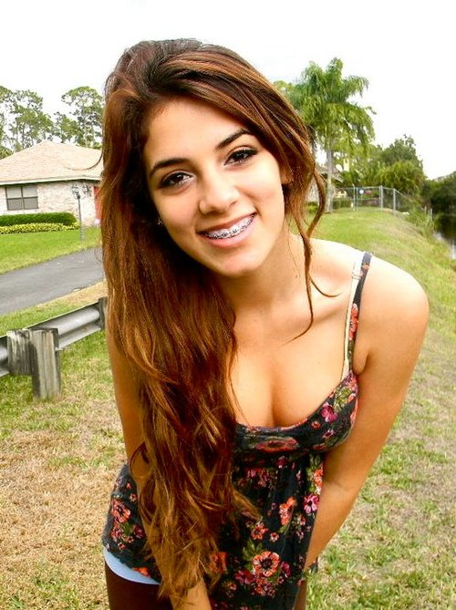 Facial cumshot Latina Uber-sexy -..