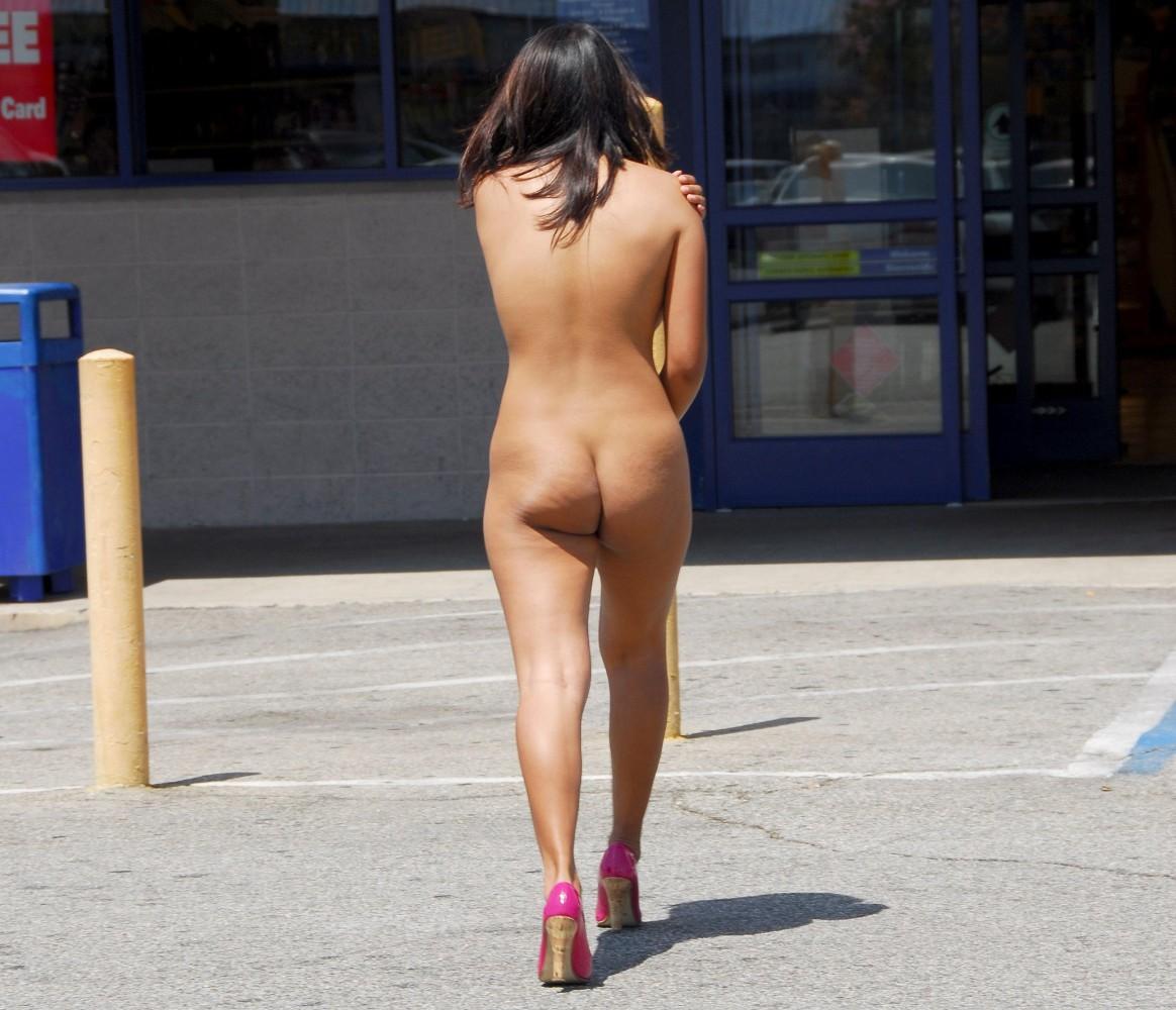 Monica Lian Laigo Naked In Public Set..