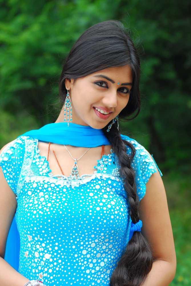 Actress Gubbi splendid picture Gallery..