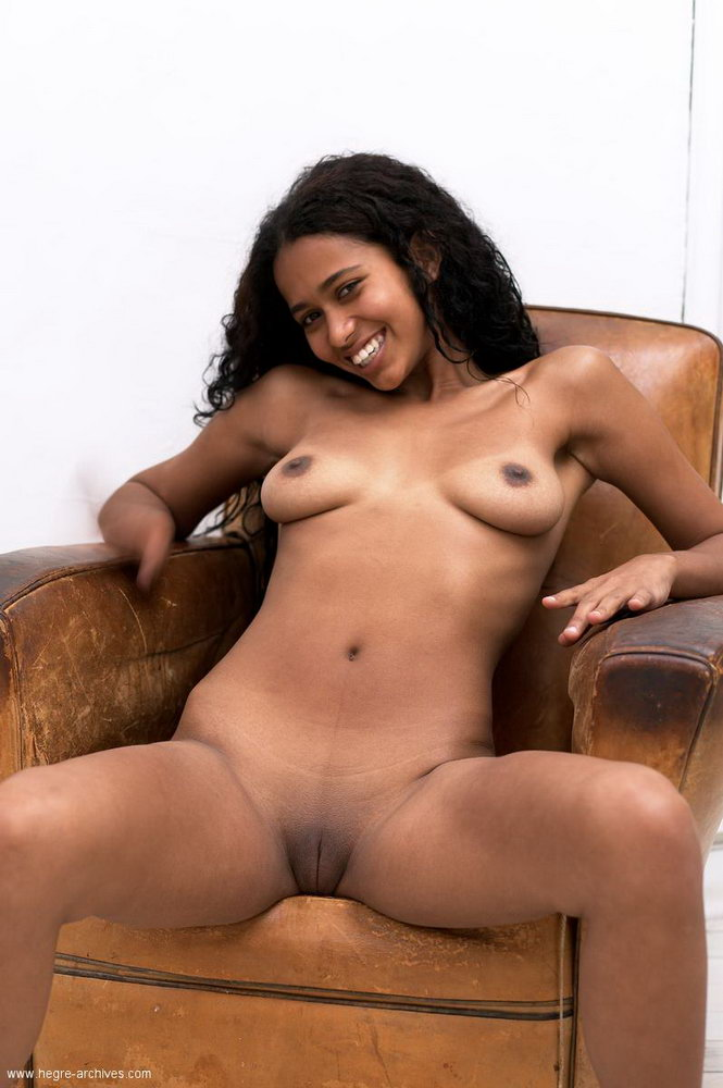 Naked mexican cutie - Images and..