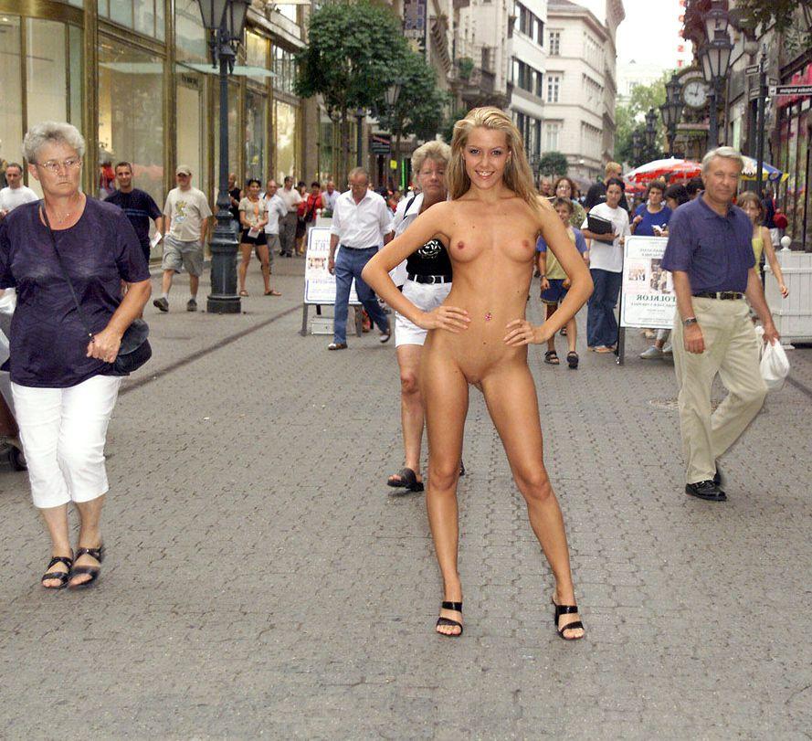 Long legged Ukrainian youngster bares..
