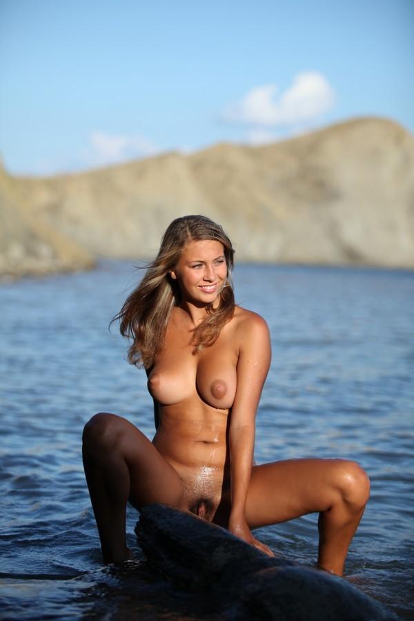 Zeman honey Milyana posing bare in the..